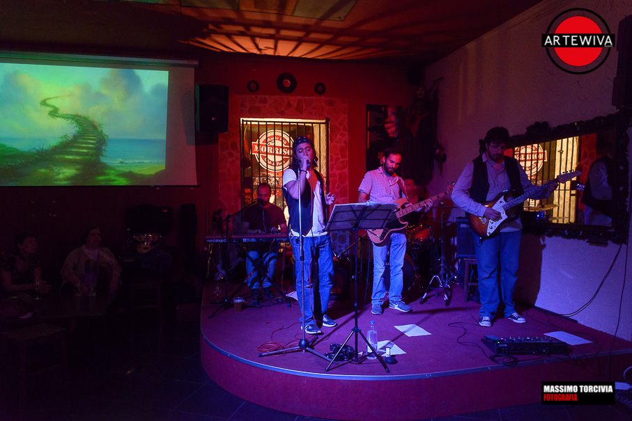 morrison-cafe-reopening-monnalizard-plays-the-doors-9530